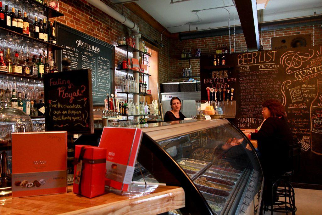 bar and menu at Gunter Hans