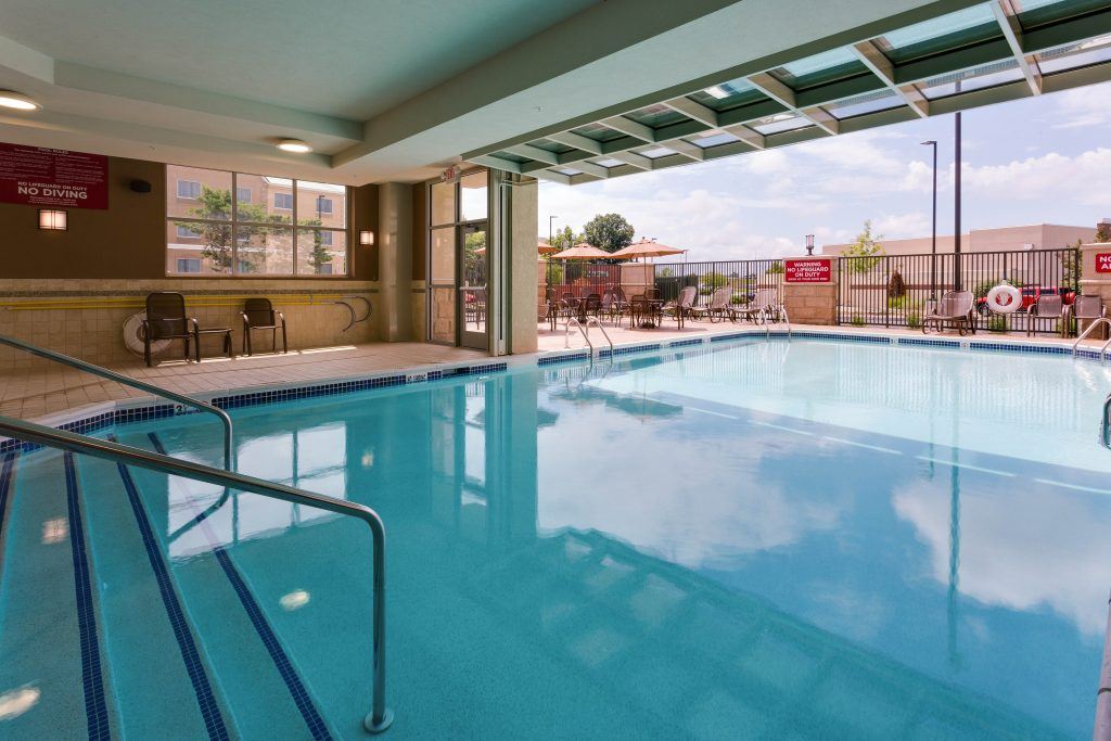 Drury Plaza Hotel indoor/outdoor pool
