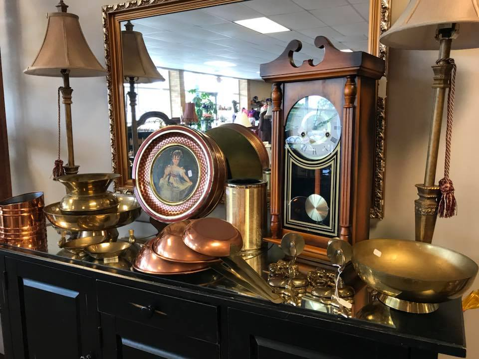 Upscale Resale: clocks, lamps, and home decor